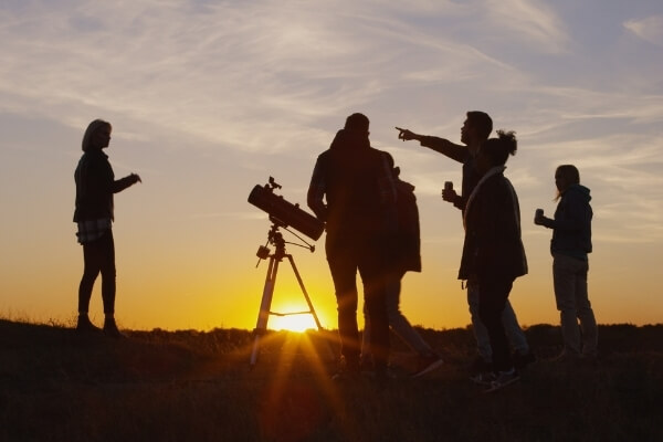 March Stargazing in the Desert | Play Golf in March